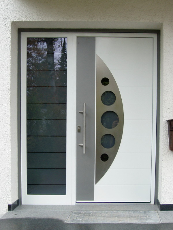 Bogen mit Kreisen an perfecta Tür