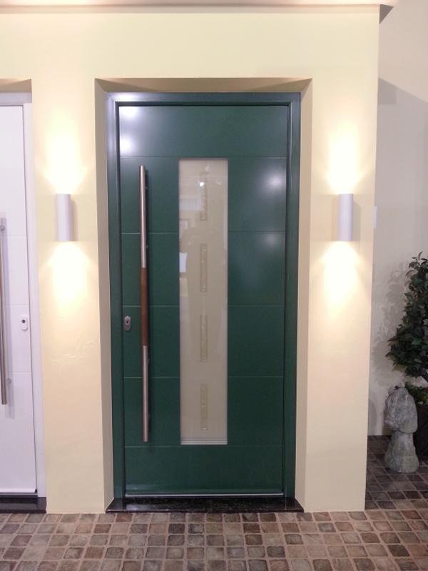 Dunkelgrüne perfecta Tür