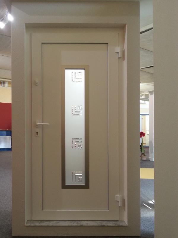perfecta Tür mit Glaseinsatz
